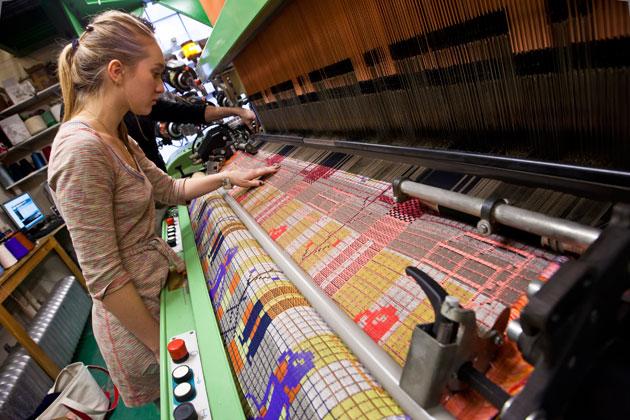 Textiles1_JacquardLoom